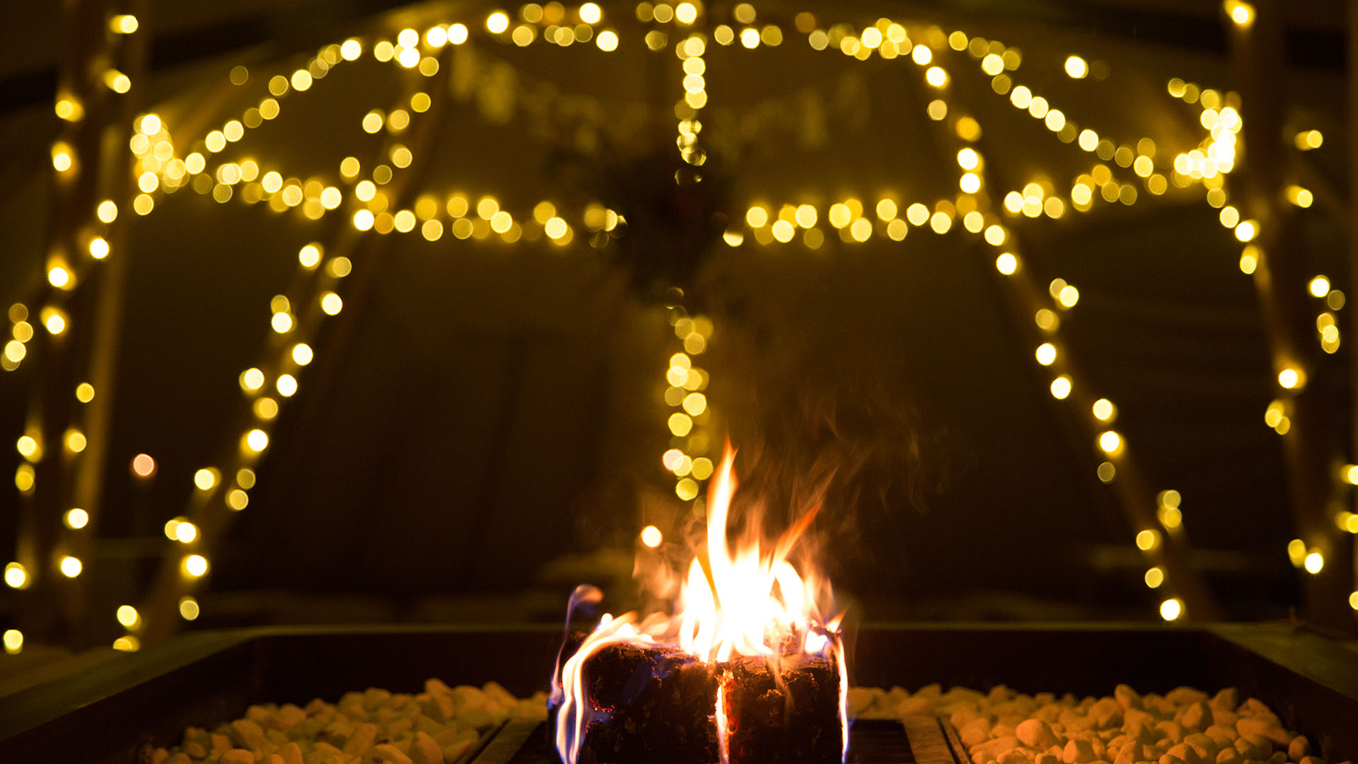 Firepit at Night - Outdoor Wedding Venue